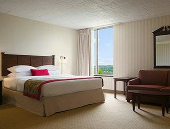 Ramada Greensburg Hotel and Conference Center : Bridal Suite