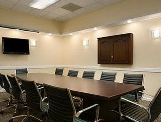 Ramada Greensburg Hotel and Conference Center: Boardroom