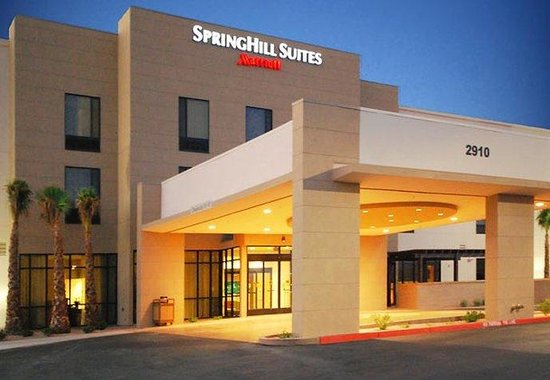 SpringHill Suites Las Vegas North Speedway: Entrance