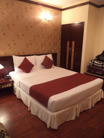 Asian Ruby Luxury Hotel: Bedroom