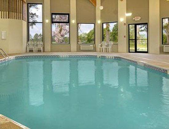 Days Inn & Suites Brinkley: Pool