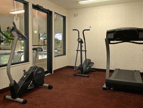 Days Inn & Suites Brinkley: Fitness Center