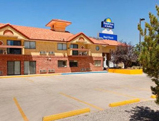 Days Inn & Suites Red Rock-Gallup : Welcome To The Days Inn And Suites Red Rock-Gallup