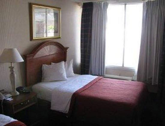 Knights Inn Atlantic City: One Bed Guest Room