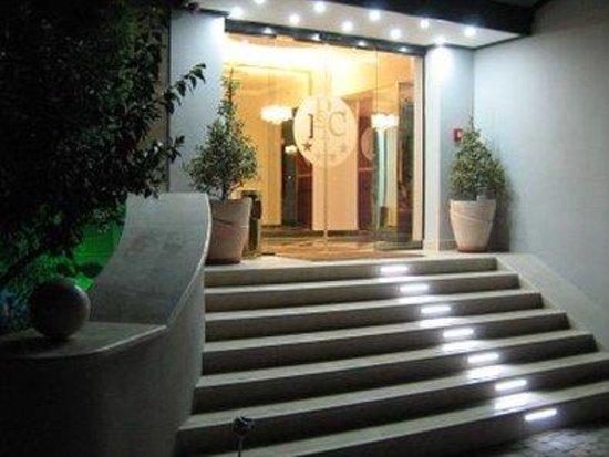 Cervara Park Hotel : Exterior