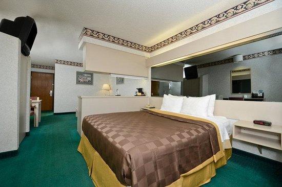 Americas Best Value Inn & Suites, Sunbury/Delaware,Ohio : One Queen Bed