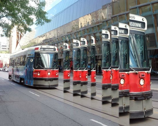 Musée des beaux-arts de l'Ontario : TTC makes art at AGO - building is behind streetcar