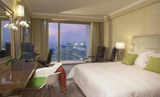 Atrium Platinum Hotel: Deluxe Double Room