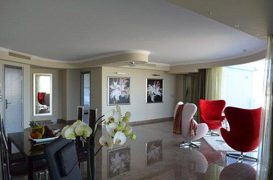 Atrium Platinum Hotel : Guest room