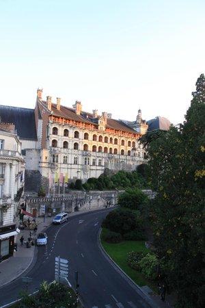 Hotel de France et de Guise : Вид из номера