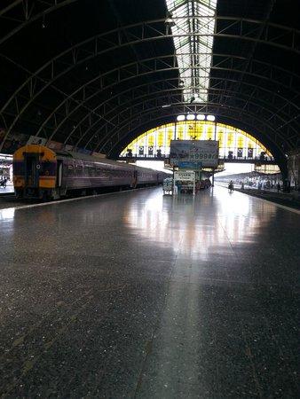 SK Boutique Maha Nakhon: very close to Hualamphong Train station