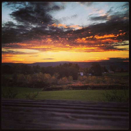 Red Newt Cellars Winery & Bistro: Sunset October 2013 from bistro deck