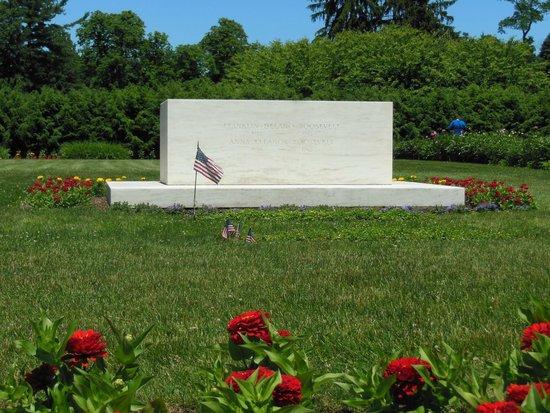 Franklin Delano Roosevelt Home : Franklin & Eleanor