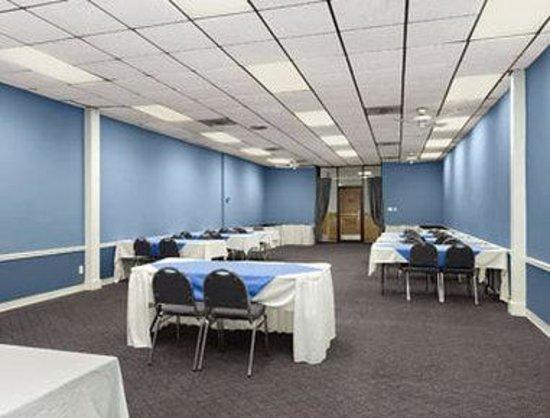 Howard Johnson Valdosta: Meeting Room