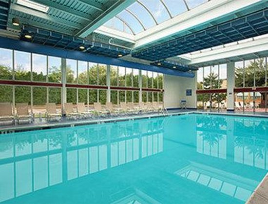 Days Hotel Allentown Airport Lehigh Valley Pool