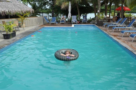 Aquana Beach Resort: The pool