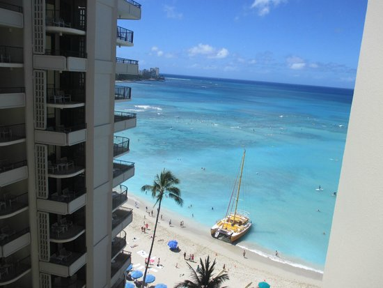 Outrigger Waikiki Beach Resort: Ocean View from Lanai of Room 1120