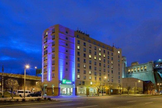 Holiday Inn Express Philadelphia E - Penns Landing: Exterior Feature