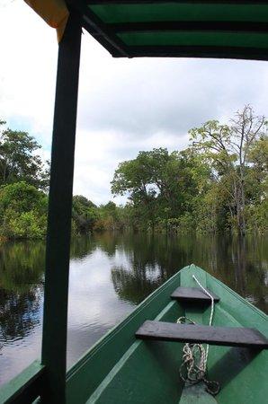 Tauari Inn Lodge : boat ride