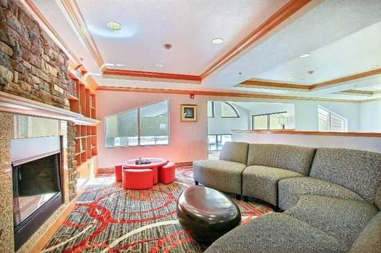 Holiday Inn Express & Suites Boise West - Meridian: Free WIFI Guest Lounge Holiday Inn Express Meridian Hotel Idaho
