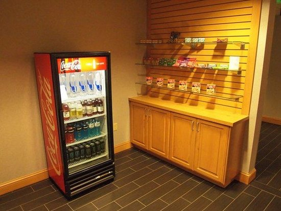 Holiday Inn Express & Suites Boise West - Meridian : Gift Shop