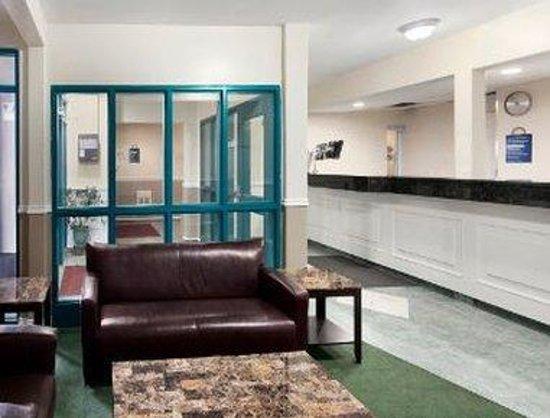 Days Inn Kamloops BC: Lobby