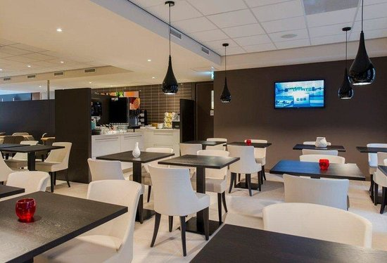 Holiday Inn Express The Hague - Parliament : Enjoy your free breakfast in our breakfast restaurant