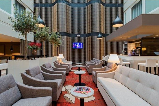 Holiday Inn Express The Hague - Parliament : Lobby Lounge