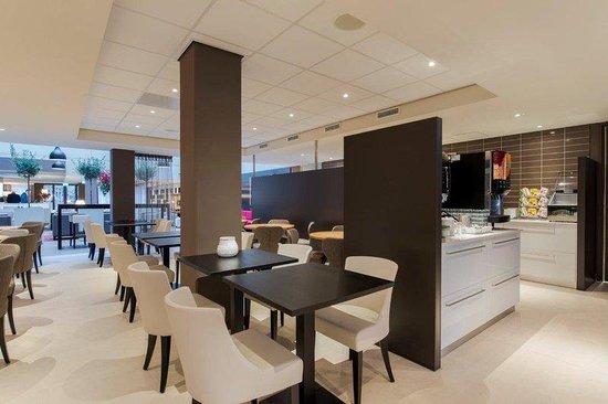 Holiday Inn Express The Hague - Parliament : Breakfast Area
