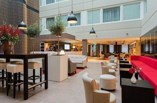 Holiday Inn Express The Hague - Parliament : Hotel Lobby