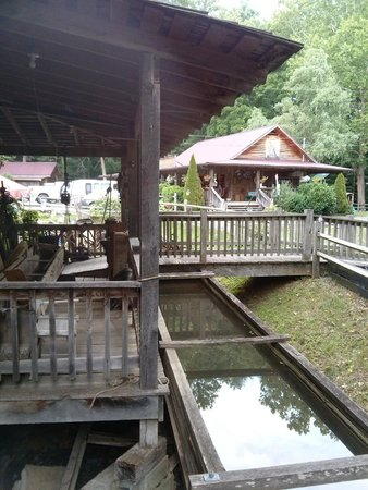 Parks Mill Barbecue: The old mill and the eatery
