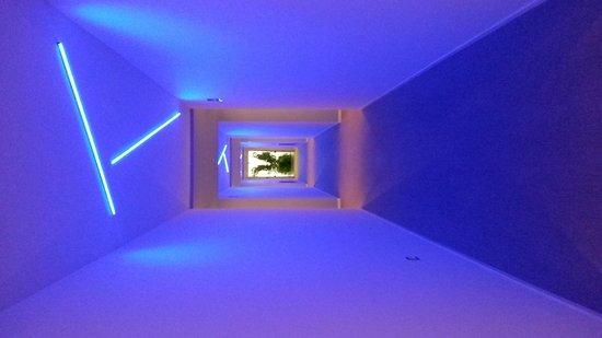 DoubleTree by Hilton Hotel Resort & Spa Reserva del Higueron: cool corridors