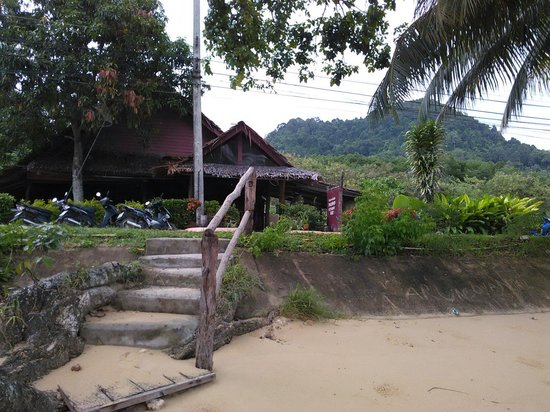 Pyramid Restaurant : Ext from the beach