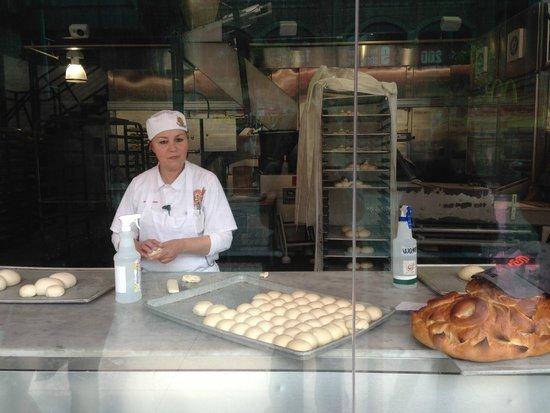 Bistro Boudin : Bread Demonstrations