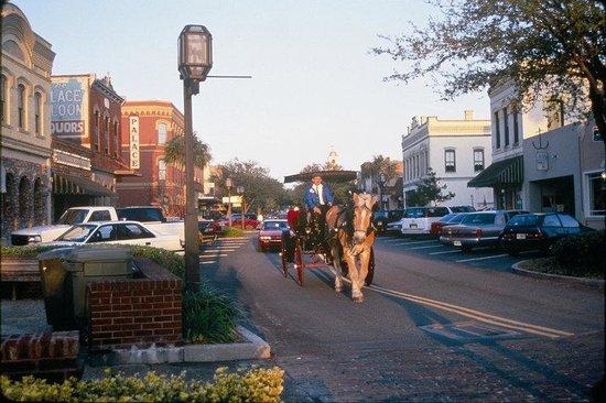 BEST WESTERN PLUS First Coast Inn & Suites: Center Street