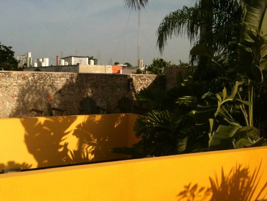 Koox Art 57 Boutique Hotel: vista desde el solarium. Mini picina en PB