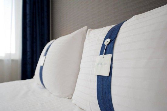 Holiday Inn Express Rotterdam - Central Station : Choose the perfect pillow from our Pillow menu