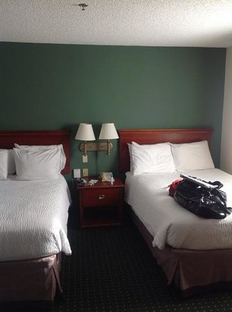 Sonesta ES Suites Somers Point : Double Beds