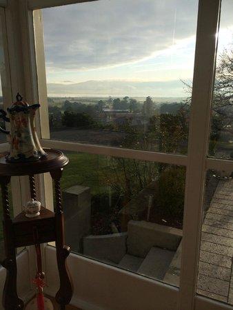 Trevallyn House B & B: Breakfast room.