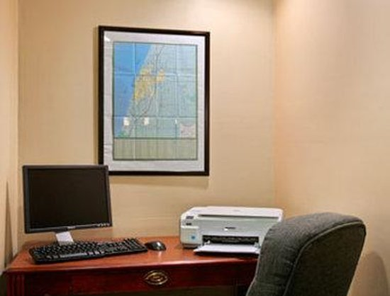 Baymont Inn & Suites South Haven : Business Center