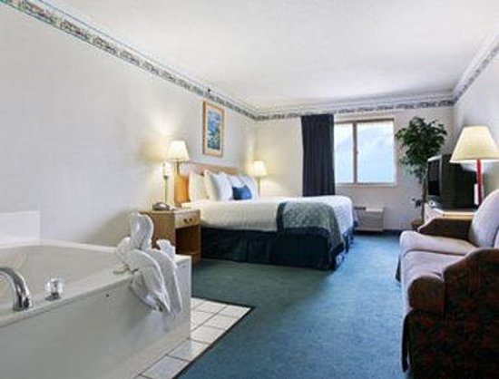Baymont Inn & Suites South Haven : One King Bed With Whirlpool