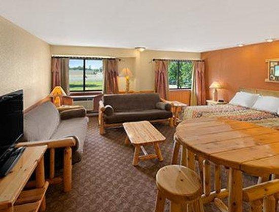 Days Inn & Suites Stevens Point: Lodge Suite