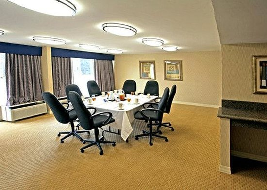 Quality Inn Near Hampton Coliseum: Meeting Room