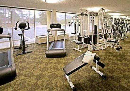 Quality Inn Near Hampton Coliseum : exercise room