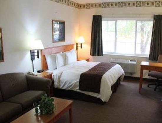 Baymont Inn & Suites Baxter/Brainerd Area: King Room