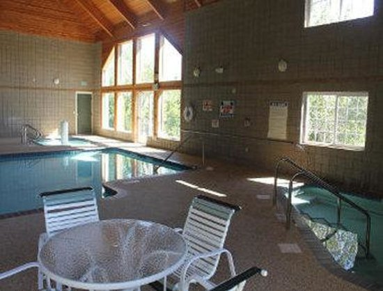 Baymont Inn & Suites Baxter/Brainerd Area: Pool/ Kiddy Pool/ Hot Tub