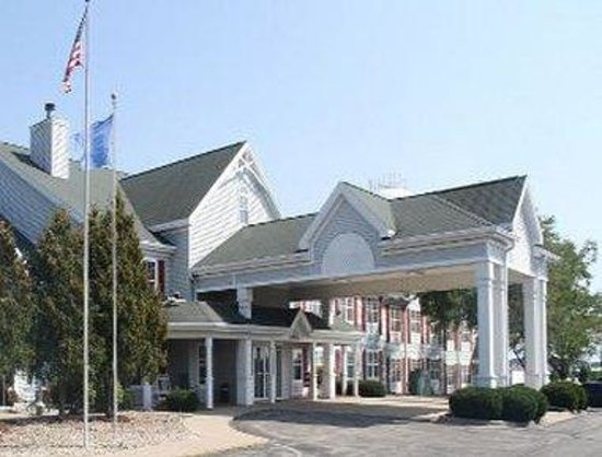 Baymont Inn & Suites Waunakee: Welcome to the Baymont Inn and Suites Waunakee