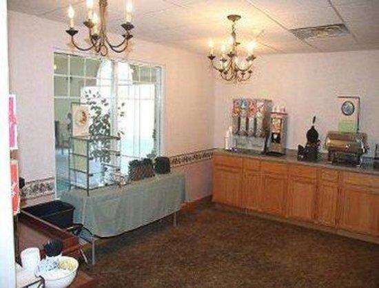 Baymont Inn & Suites Waunakee : Breakfast Area