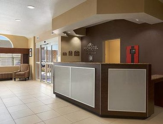 Microtel Inn & Suites by Wyndham Odessa: Lobby