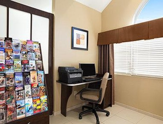Microtel Inn & Suites by Wyndham Odessa: Business Center